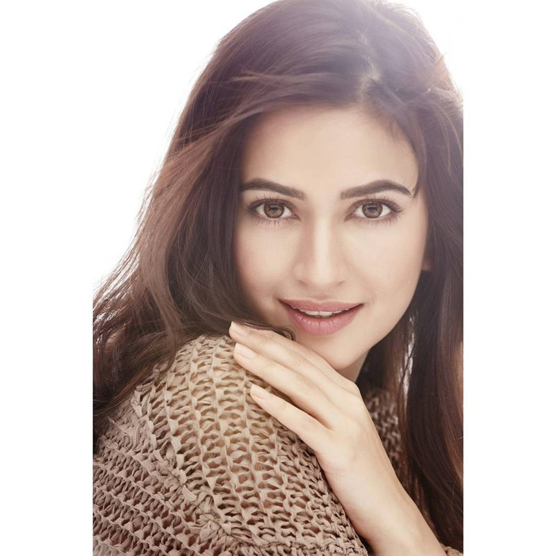 10 Pictures of Kriti Kharbanda that prove her beauty is on point!- Kriti Camera