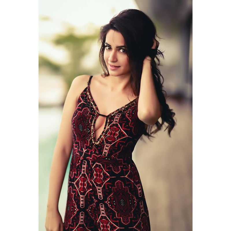 10 Pictures of Kriti Kharbanda that prove her beauty is on point!- Kriti hair